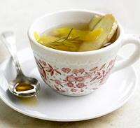Имбирный чай с лимоном Ингредиенты.  Имбирь - корень около 10 см Лимон...